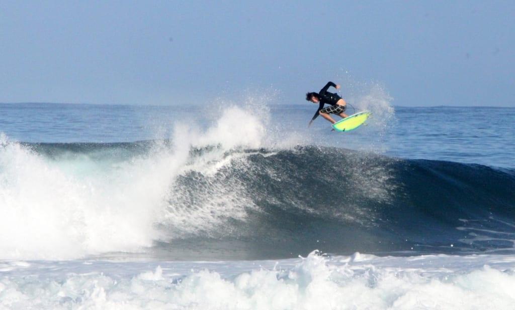 Surfing_Bartnikowski.com