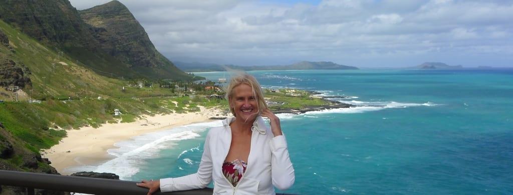 Oahu, Mary Bartnikowski
